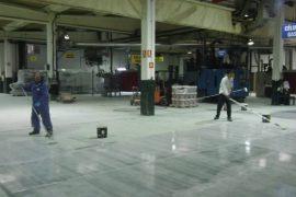 Sellado de suelo en una fábrica